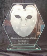 Relatiegeschenk  masker gezandstraald